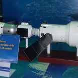 800px-Tiangong_2_space_laboratory_model